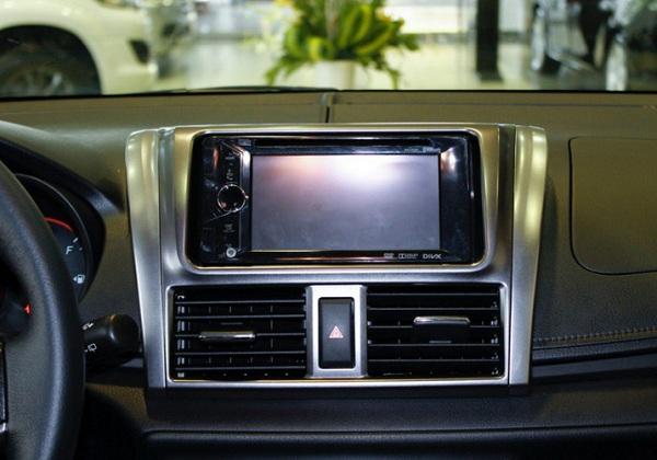 Màn hình DVD cho ô tô bị đen khi khởi động