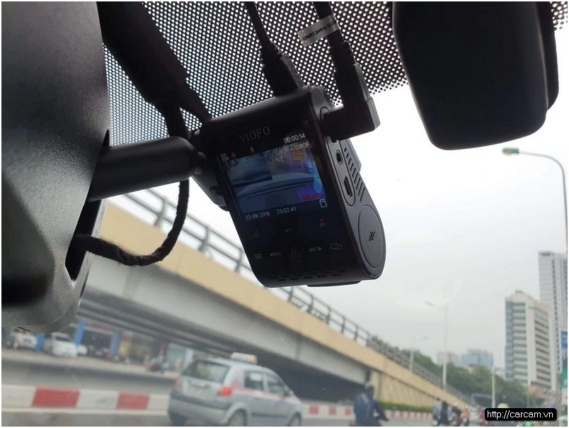 Camera hành trình A129 Pro Duo cung cấp độ phân giải cao, video 4K Ultra HD thực với 3840 x 2160P (4K) và 1920 x 1080p ở 30 khung hình / giây (FHD) chụp mọi chi tiết cần thiết với độ rõ nét đủ để đọc được biển số dễ dàng. Sử dụng cảm biến Sony EXMOR CMOS ở camera trước, cũng như cảm biến Sony Starvis IMX291 ở camera sau, nó cũng cho tầm nhìn ban đêm rõ hơn để quay video giữ được độ chính xác ngay cả trong điều kiện ánh sáng yếu khi lái xe vào ban đêm. Video ánh sáng yếu này được tăng cường hơn nữa với các chức năng HDR giữ chi tiết trong ánh sáng có độ tương phản cao.