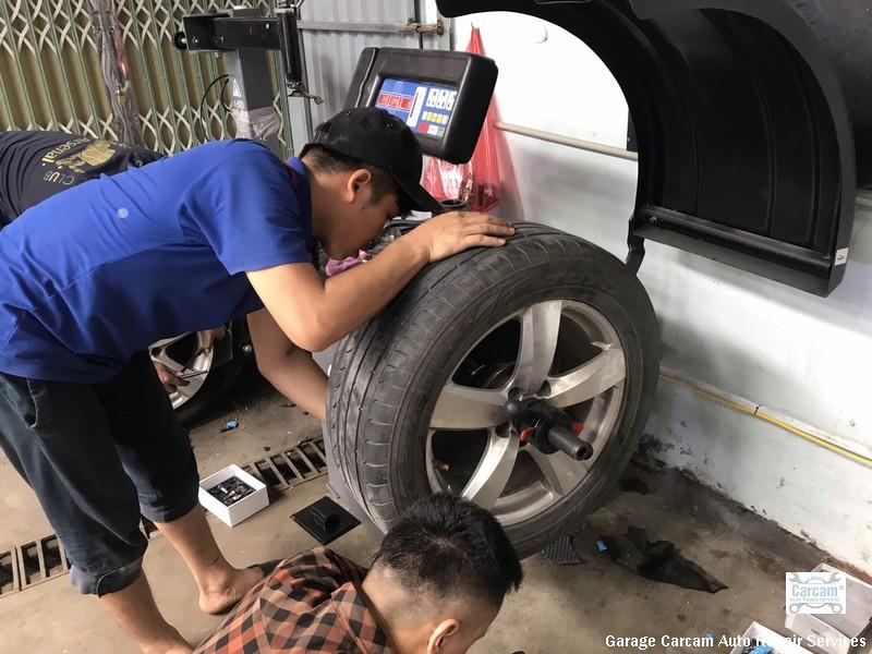 Cảm biến áp suất lốp lắp cho xe hơi tại Việt nam bắt đầu là đồ chơi được người dùng chú ý và tìm mua từ những năm 2009và nở rất rộ vào những năm 2015-2018. Lý do đơn giản nhất là giá cả đã giảm xuống đáng kể, chất lượng được nâng cấp và đặc biệt có nhiều nhà bán lẻ tại Việt nam