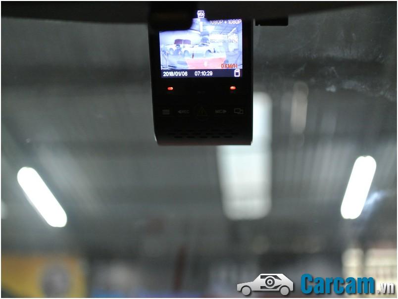 Mắt trước Viofo a129 được dán 3M lên kính lái rất gọn