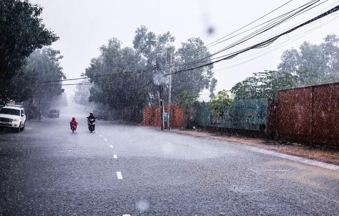 gạt mưa ô tô
