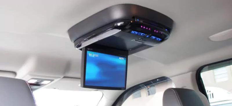 màn hình trên ô tô